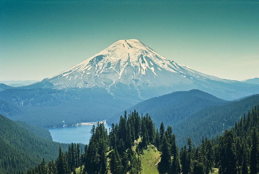 Mount St. Helens pre-eruption photo iStock-168252453