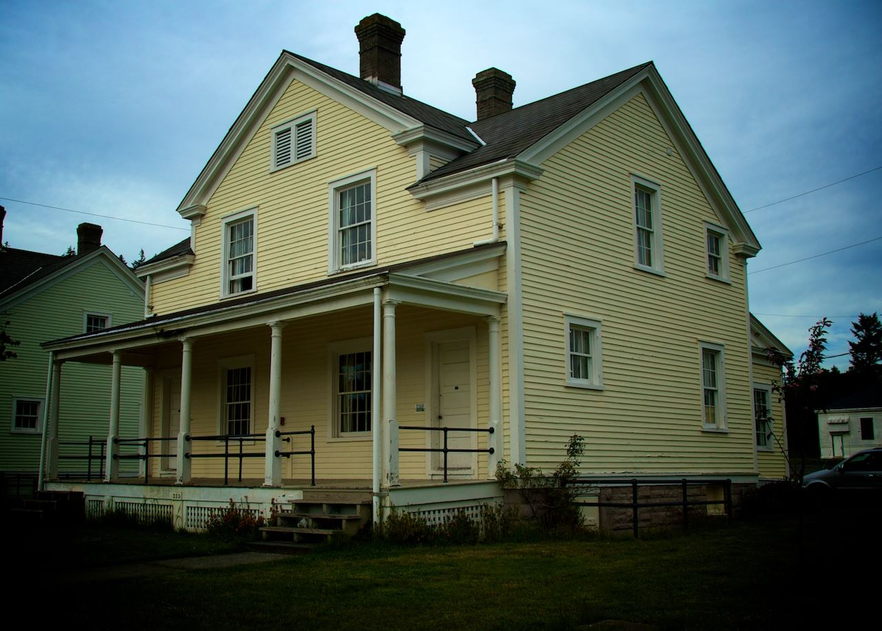Get a first-hand taste of 19th-Century Army life - stay at the Fort Worden Non Commissioned Officer&