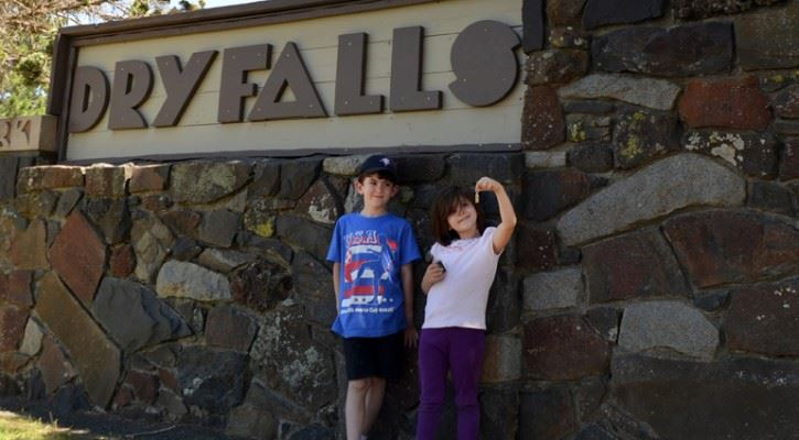 Dry Falls Park Sign with kids