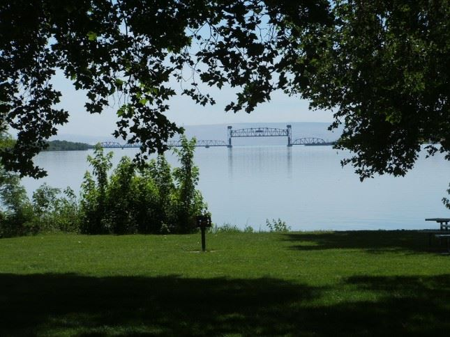 As a riverside park there's plenty of water recreation fun to be had at Sacajawea.