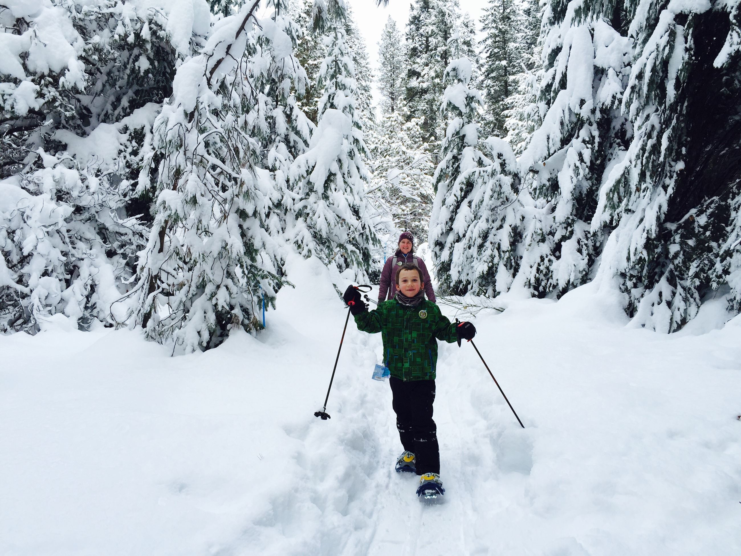 Lake Wenatchee snowshoers